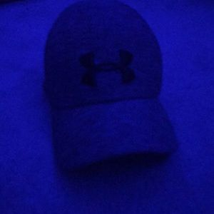 Under armor hat youth small
